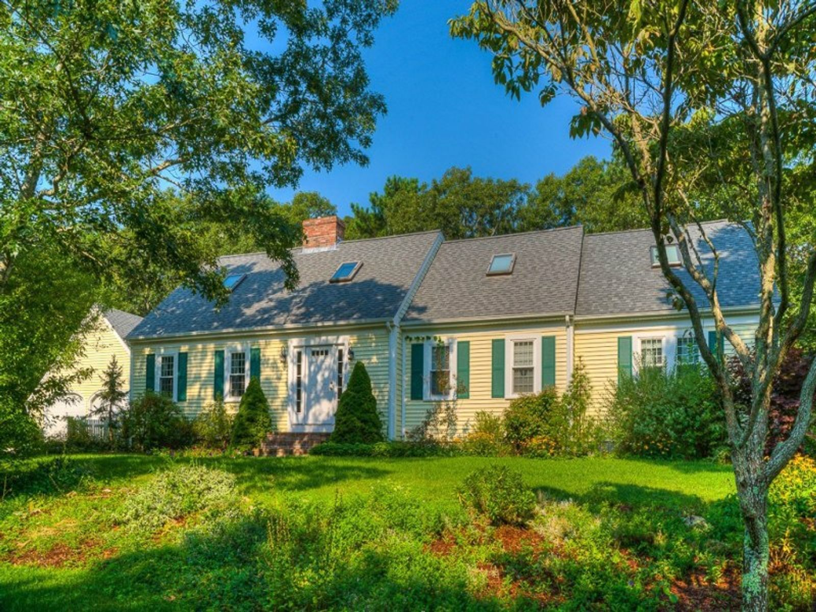 Cotuit Coves on Cape Cod, Cotuit MA Single Family Home - Cape Cod Real Estate