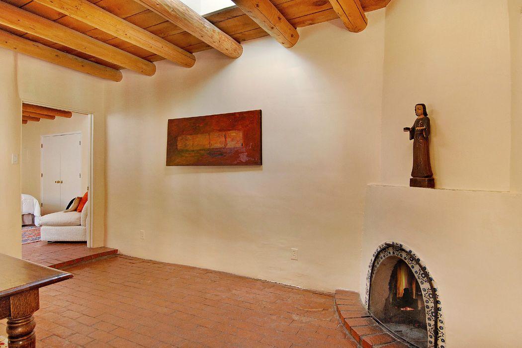 546 Armijo Street Santa Fe, NM 87501