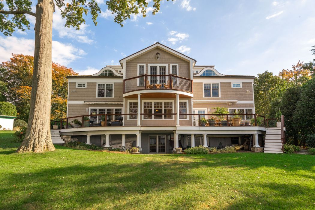 7 Bryon Road Old Greenwich, CT 06870