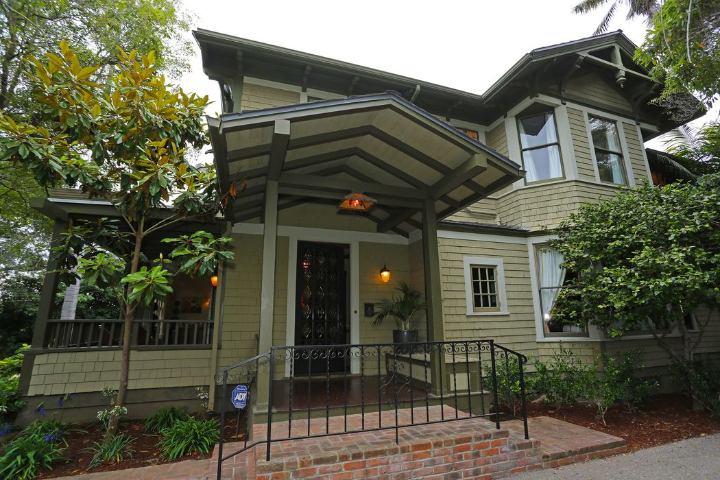 115 East Islay Street Santa Barbara, CA 93101