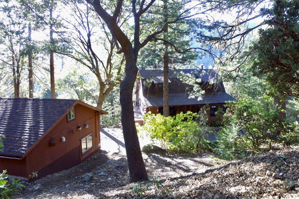 6452 Cedar Avenue Angelus Oaks, CA 92305