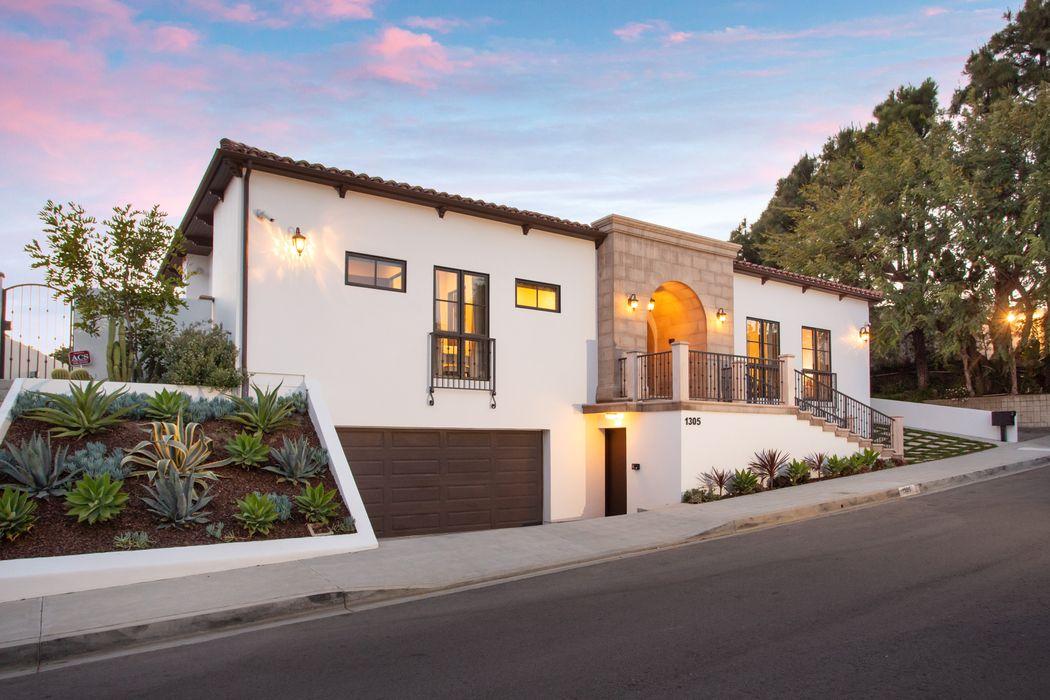 1305 Casiano Road Los Angeles, CA 90049