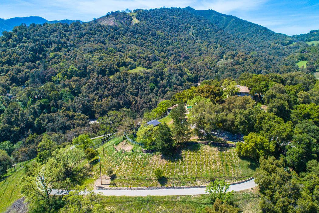 17717 Cachagua Road Carmel Valley Ca 93924 Sotheby S