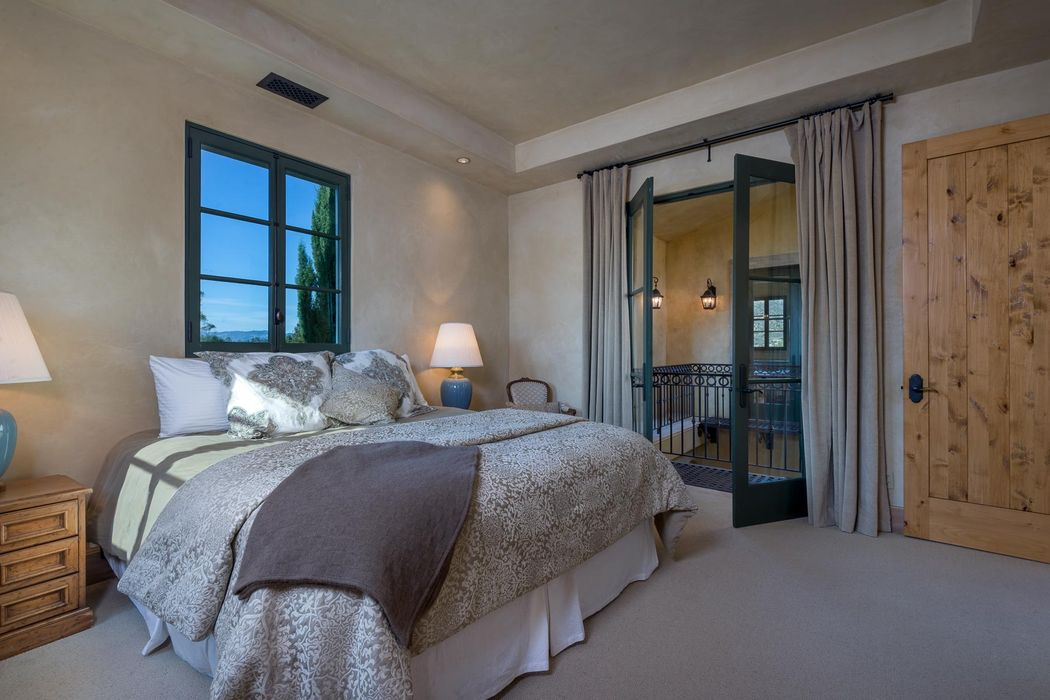 117 Crestview Ln Santa Barbara, CA 93108