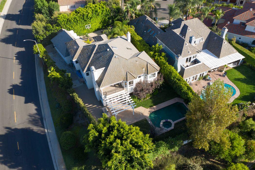 16630 Cumbre Verde Court Pacific Palisades, CA 90272