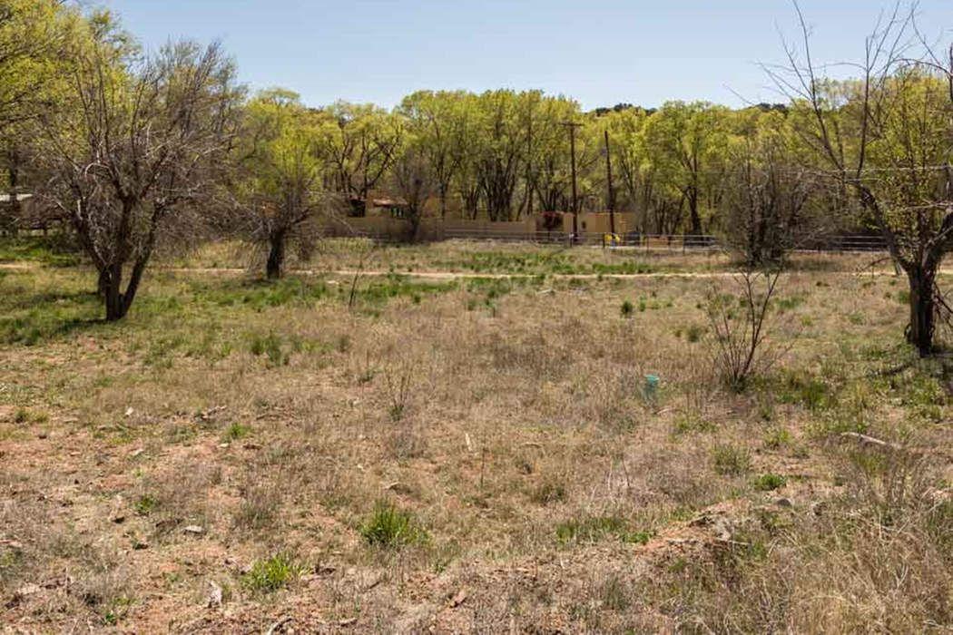 1477 Bishops Lodge Road Santa Fe, NM 87506