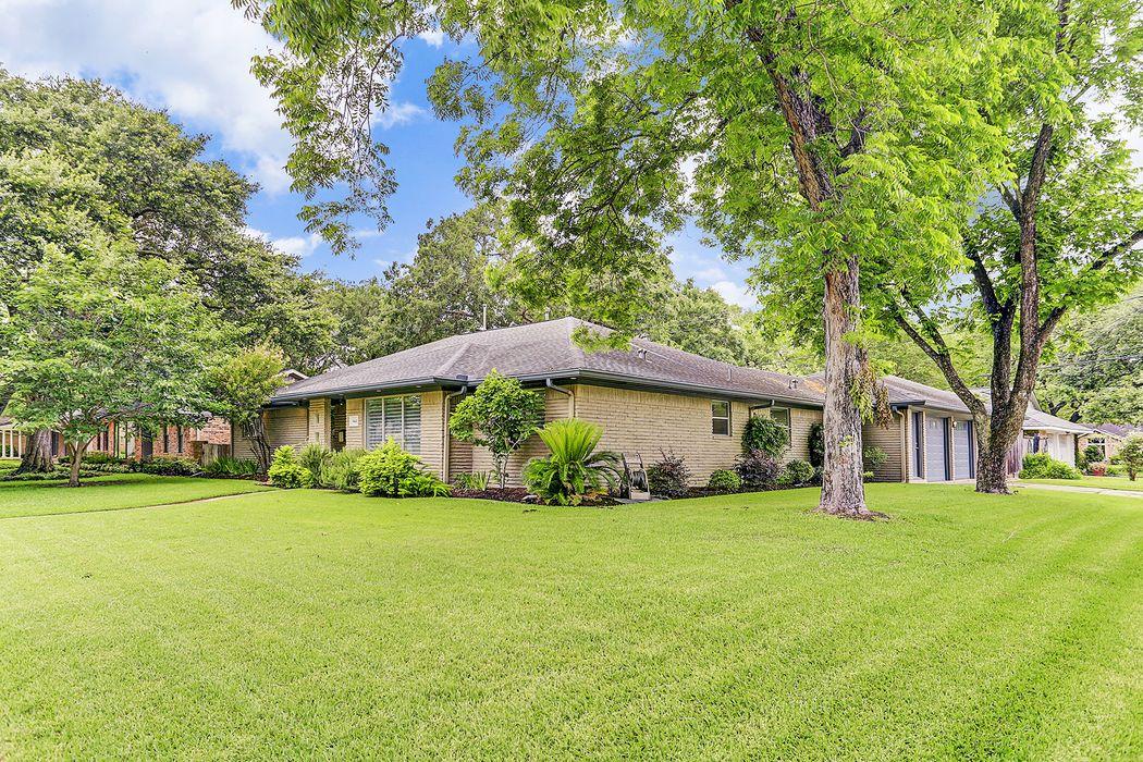 5442 Jackwood Street Houston, TX 77096