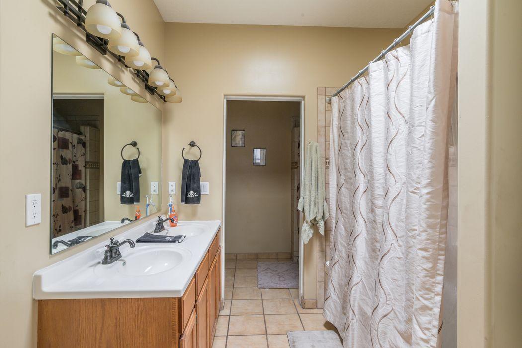 1546 Kachina Ridge Drive Santa Fe, NM 87507