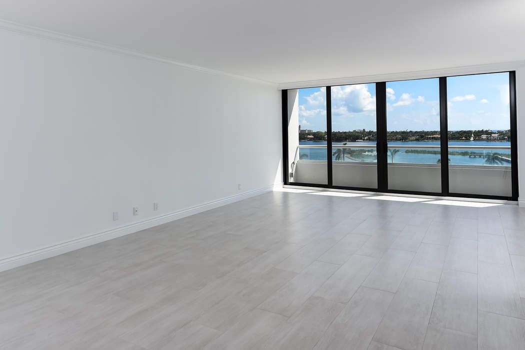 Trump Plaza Waterview Apartment