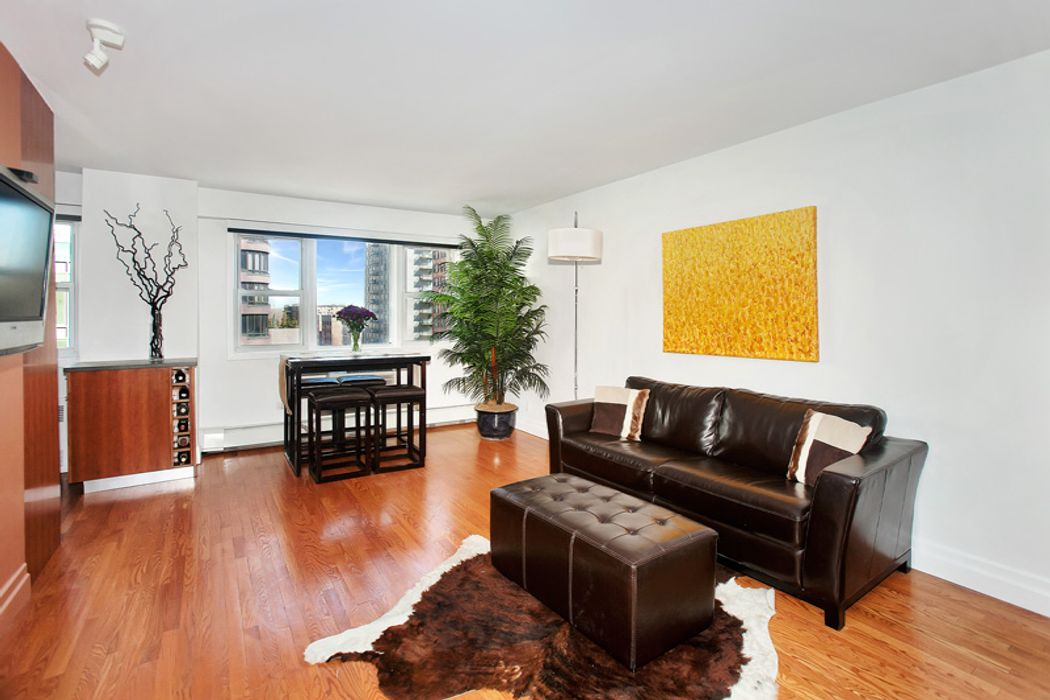 446 east 86th street apt 6c new york ny 10028 sotheby for Living room 86th street