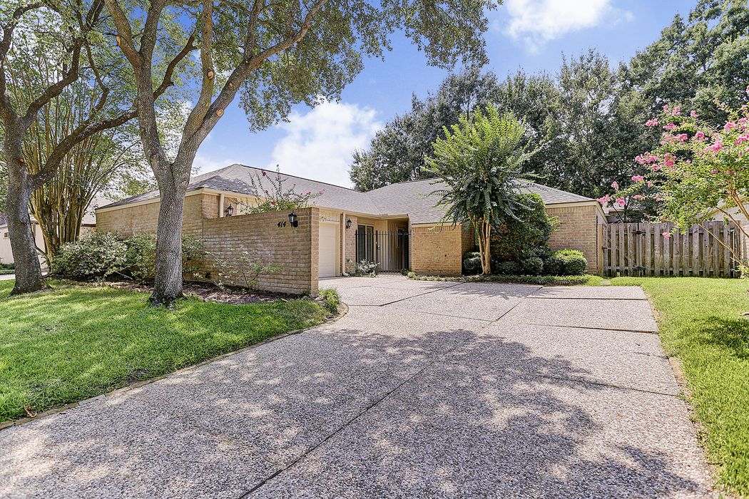 414 Commodore Way Houston, TX 77079