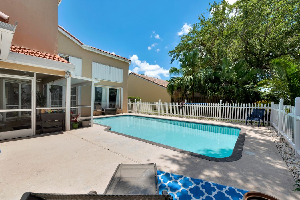 1032 Siena Oaks Cir W Palm Beach Gardens, FL 33410