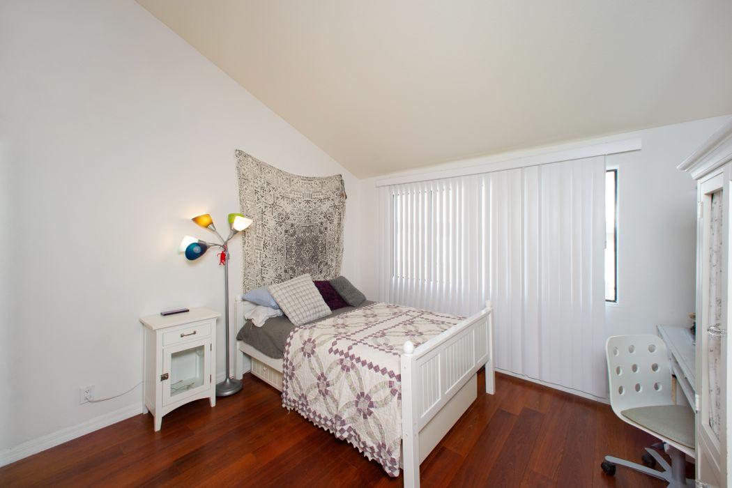 5321 Colodny Drive, #4 Agoura Hills, CA 91301