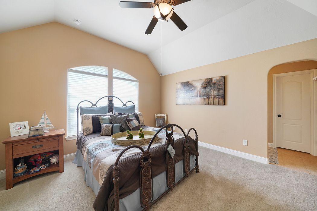311 Northcliff Ridge Lane Friendswood, TX 77546
