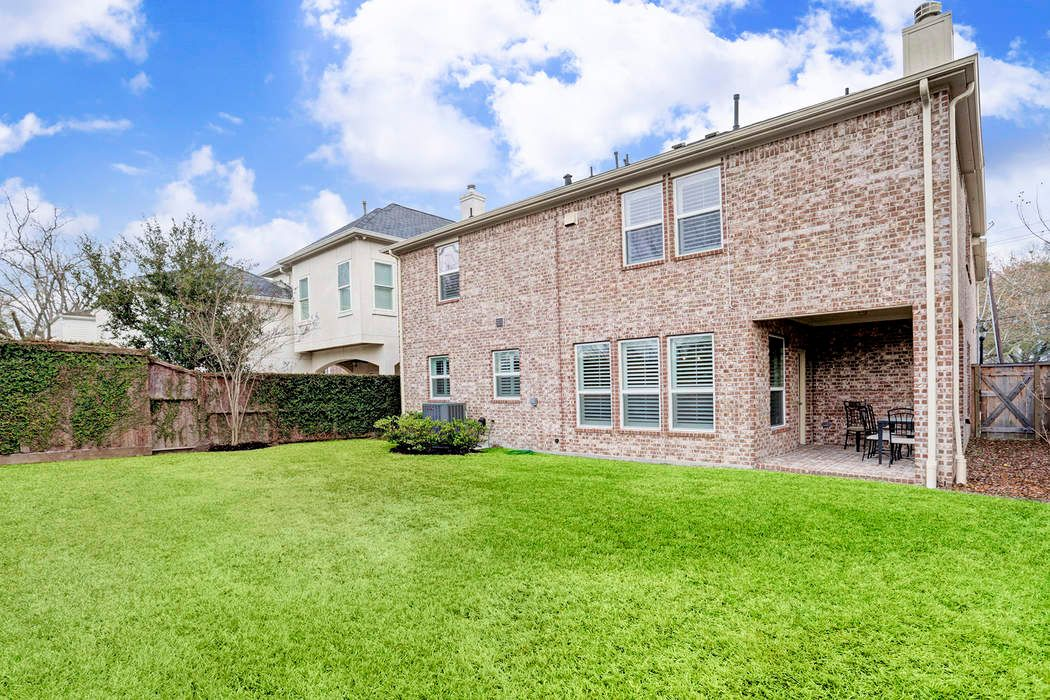 6604 Community Drive Houston, TX 77005