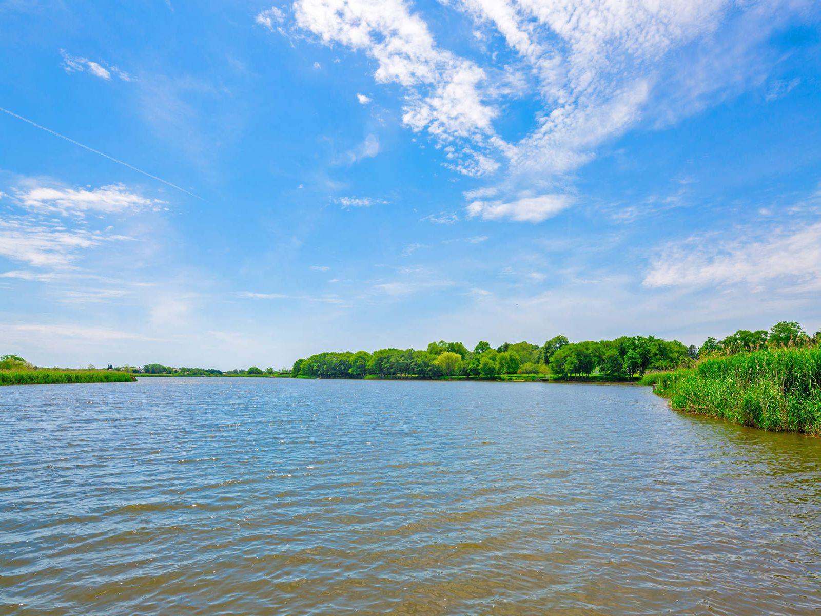 Sagaponack Pondfront