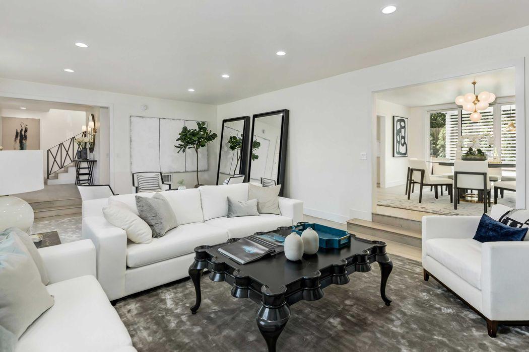 12055 Rose Marie Lane Los Angeles, CA 90049