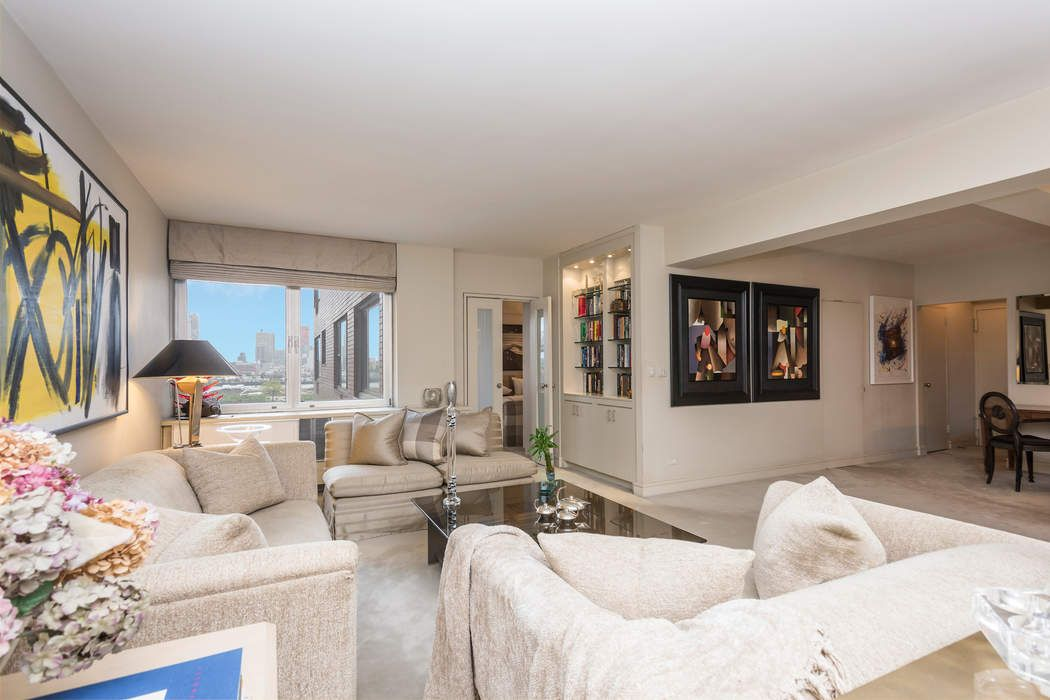 Sublime Sutton Place 1BR with River View