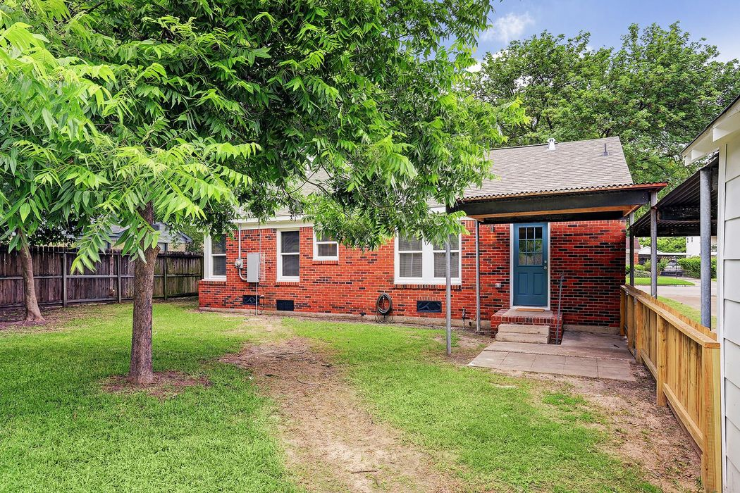 303 Kelley Street Houston, TX 77009