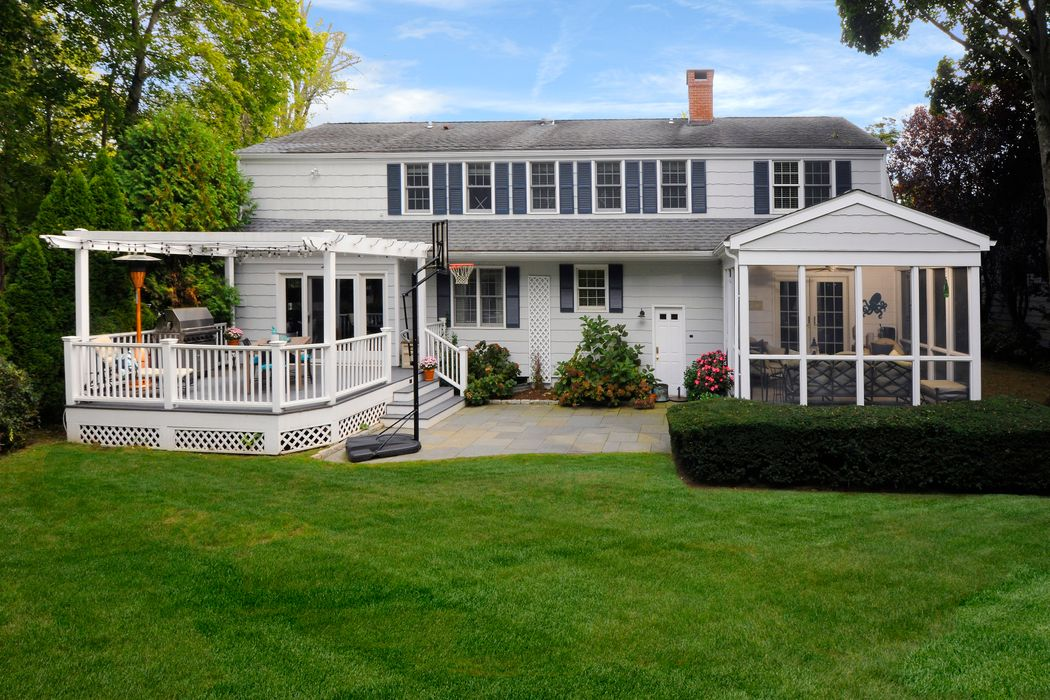145 Shore Road Old Greenwich, CT 06870
