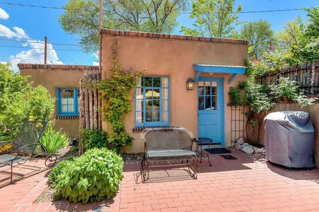 345 Plaza Balentine Santa Fe, NM 87501