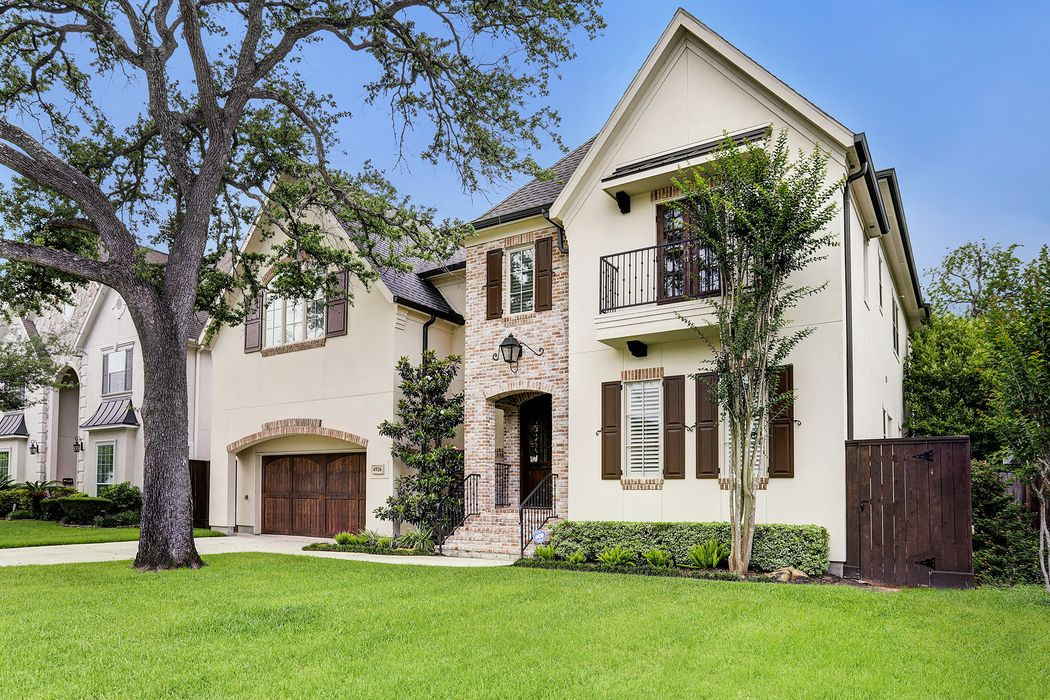 4926 Mimosa Drive Bellaire, TX 77401