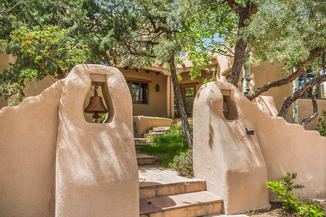 7394 Old Santa Fe Trail Santa Fe, NM 87505
