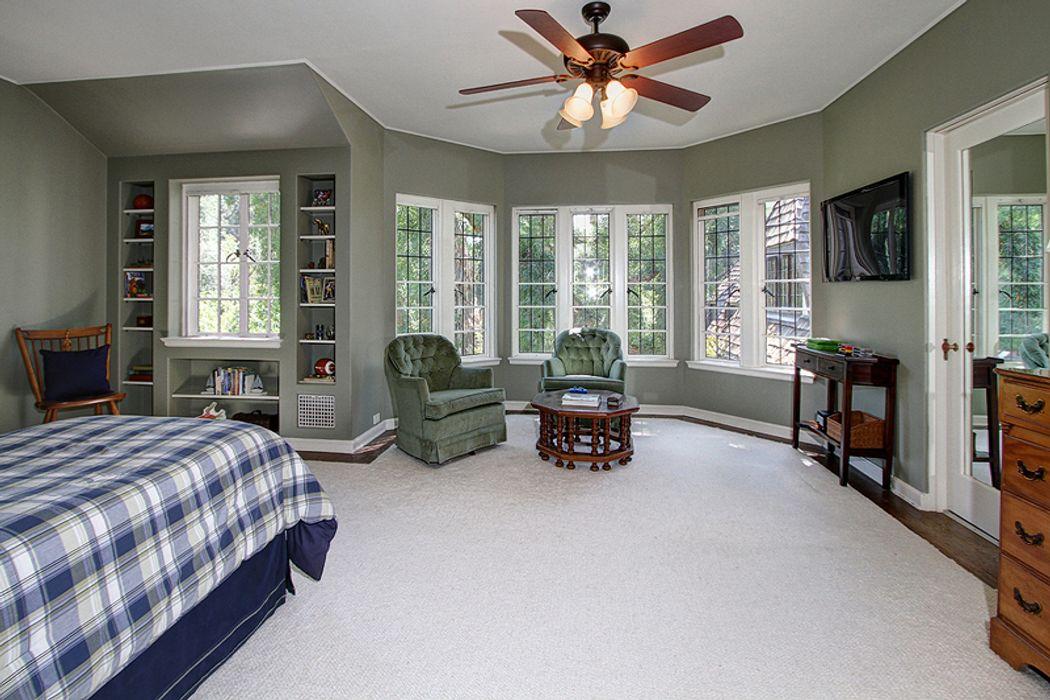 1915 English Manor Pasadena, CA 91105
