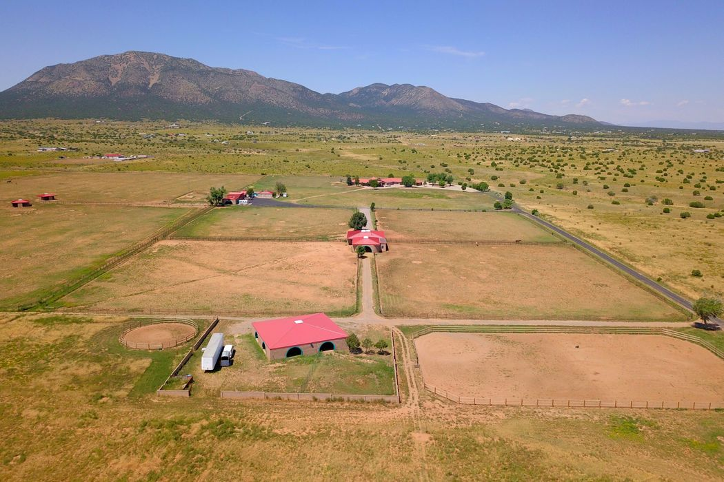 247 A & 247 B E. Frost Road Edgewood, NM 87015