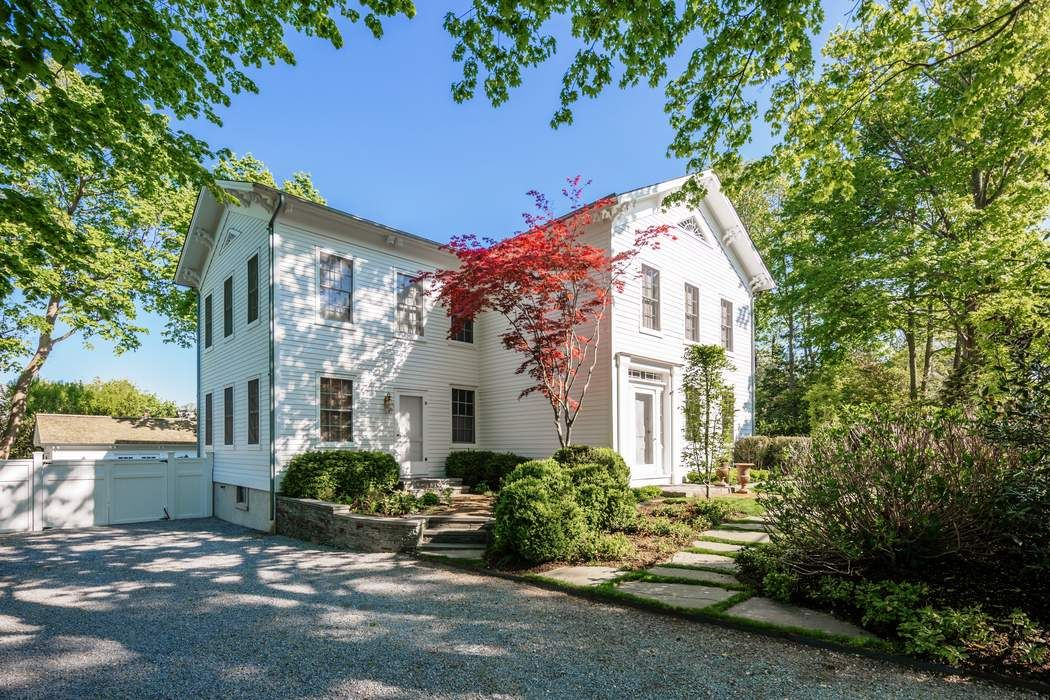 11 High Street Sag Harbor, NY 11963