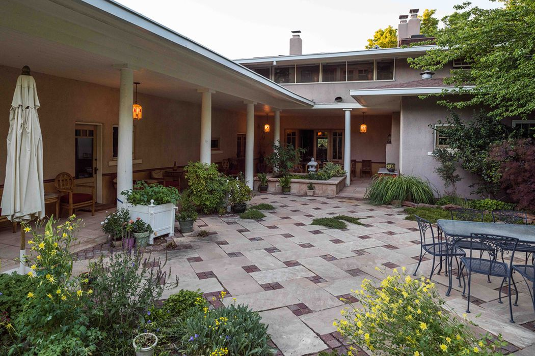 316 East Buena Vista Street Santa Fe, NM 87505