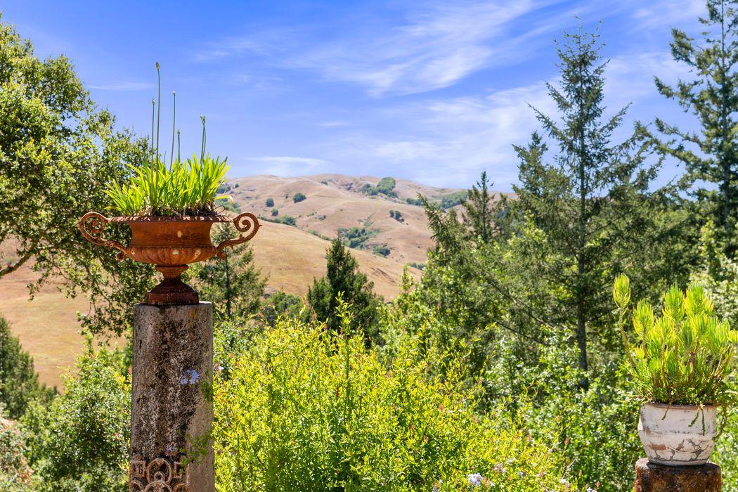 54 Los Pinos Spur Nicasio, CA 94946