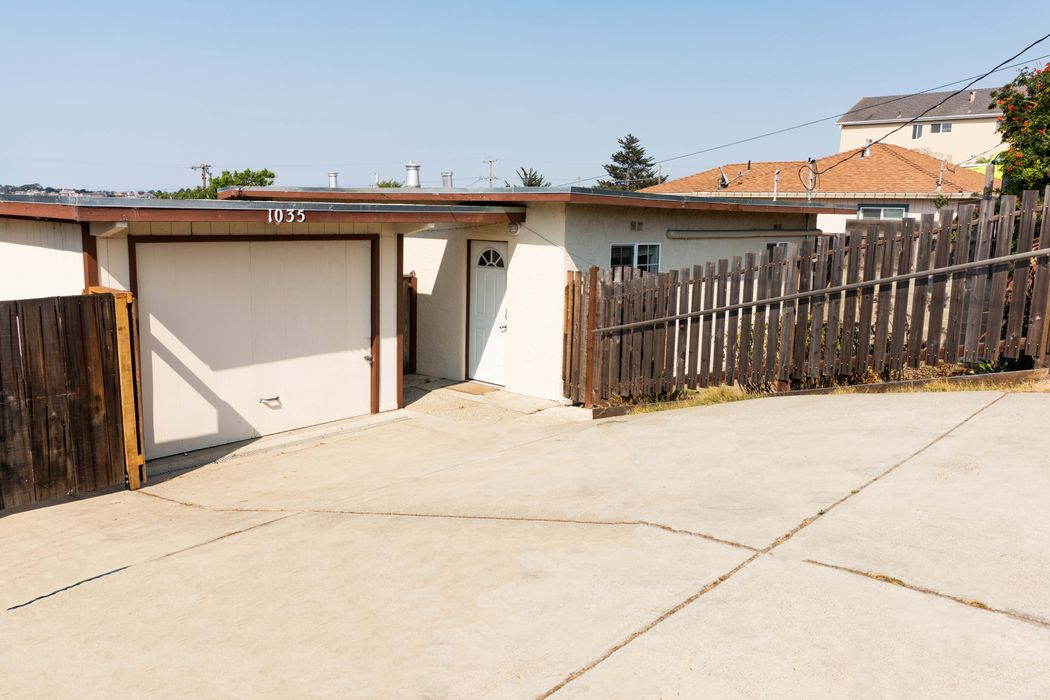 1035 Amador Avenue Seaside, CA 93955