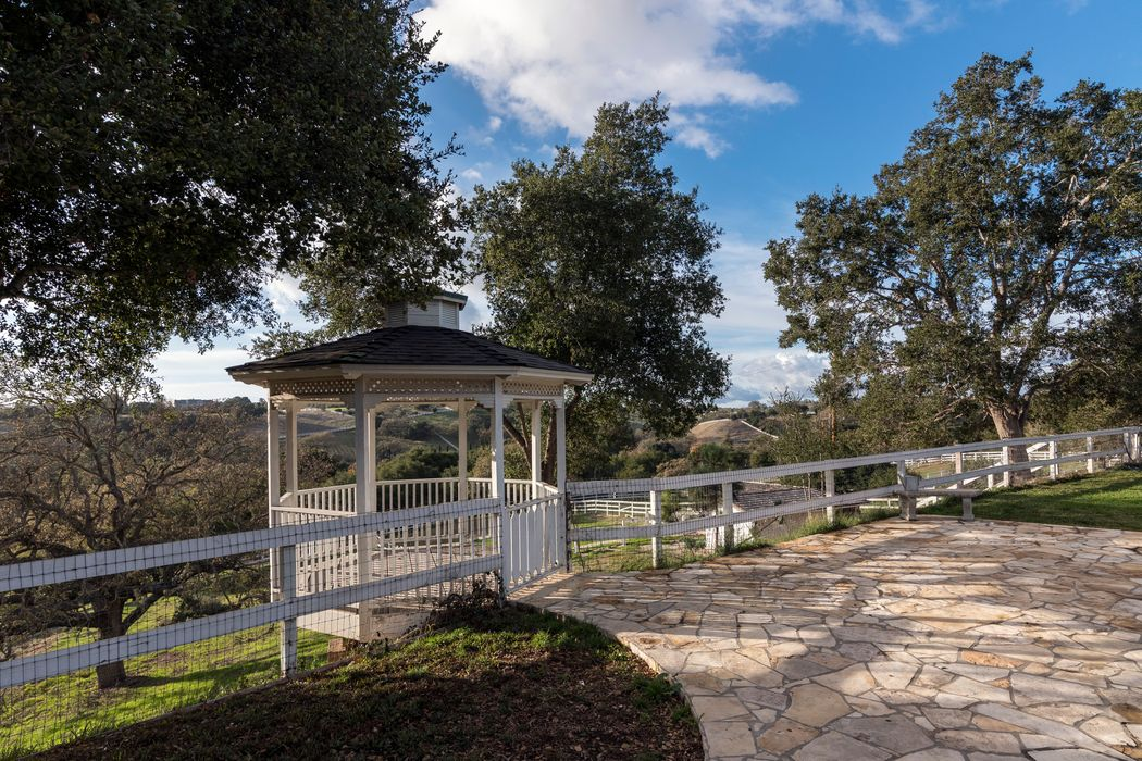 1233 Deer Trail Lane Santa Ynez, CA 93460