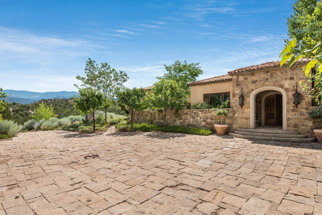 117 Tesuque Ridge Santa Fe, NM 87506