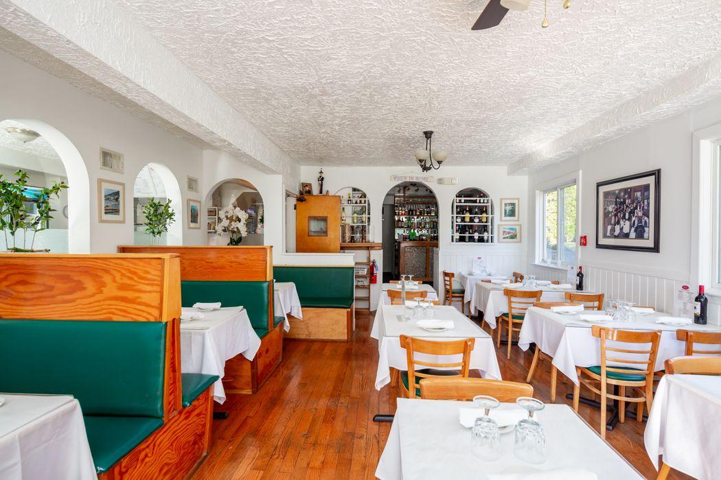 Amagansett Landmark Restaurant Amagansett, NY 11930