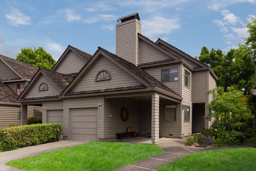 1905 Hopper Way Yountville, CA 94599