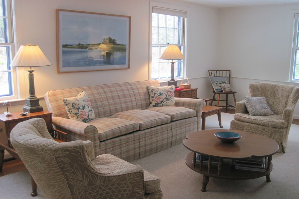 51 Leonard Road Osterville, MA 02655