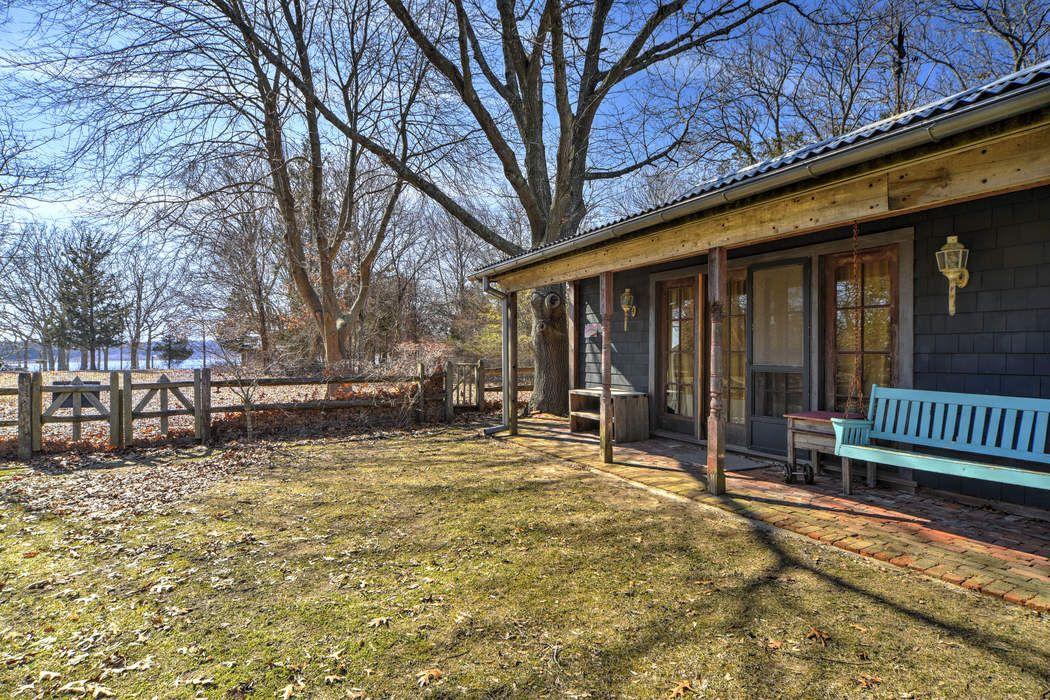Hip Harborview Beach House East Hampton, NY 11937