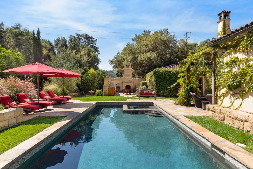 2222 East Valley Road Montecito, CA 93108