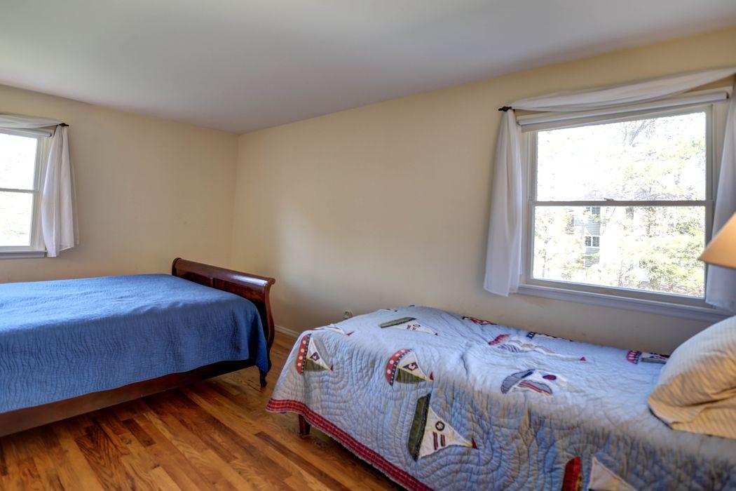 Shinnecock Hills Convenience Southampton, NY 11968