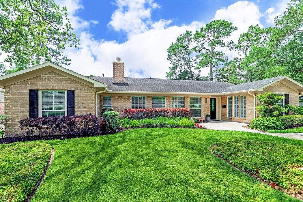 10223 Holly Springs Drive Houston, TX 77042