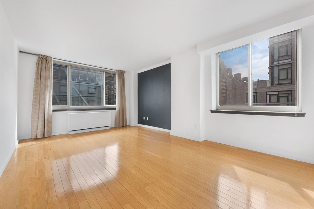 Chelsea Corner 1 Bed w/ Open City Views