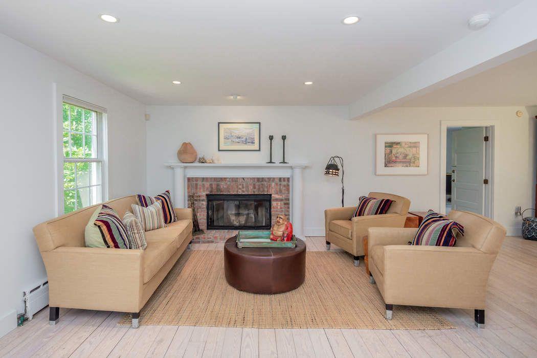 7 Willow Lane East Hampton, NY 11937