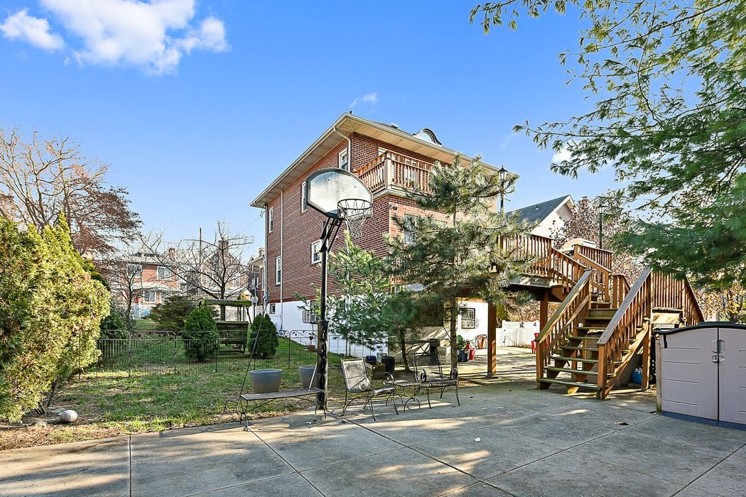 6017 Liebig Avenue Riverdale, NY 10471