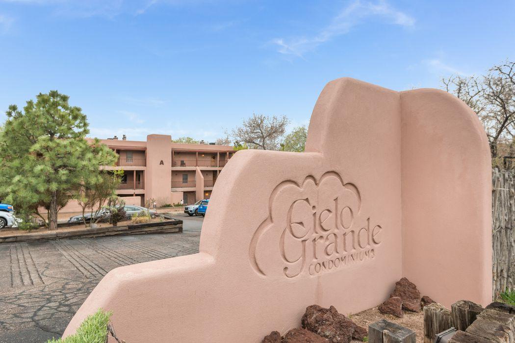 442 Greg Avenue #C103 Santa Fe, NM 87501
