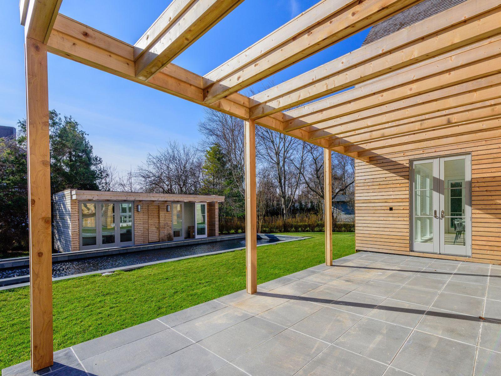 Modern Green Barn in Amagansett South