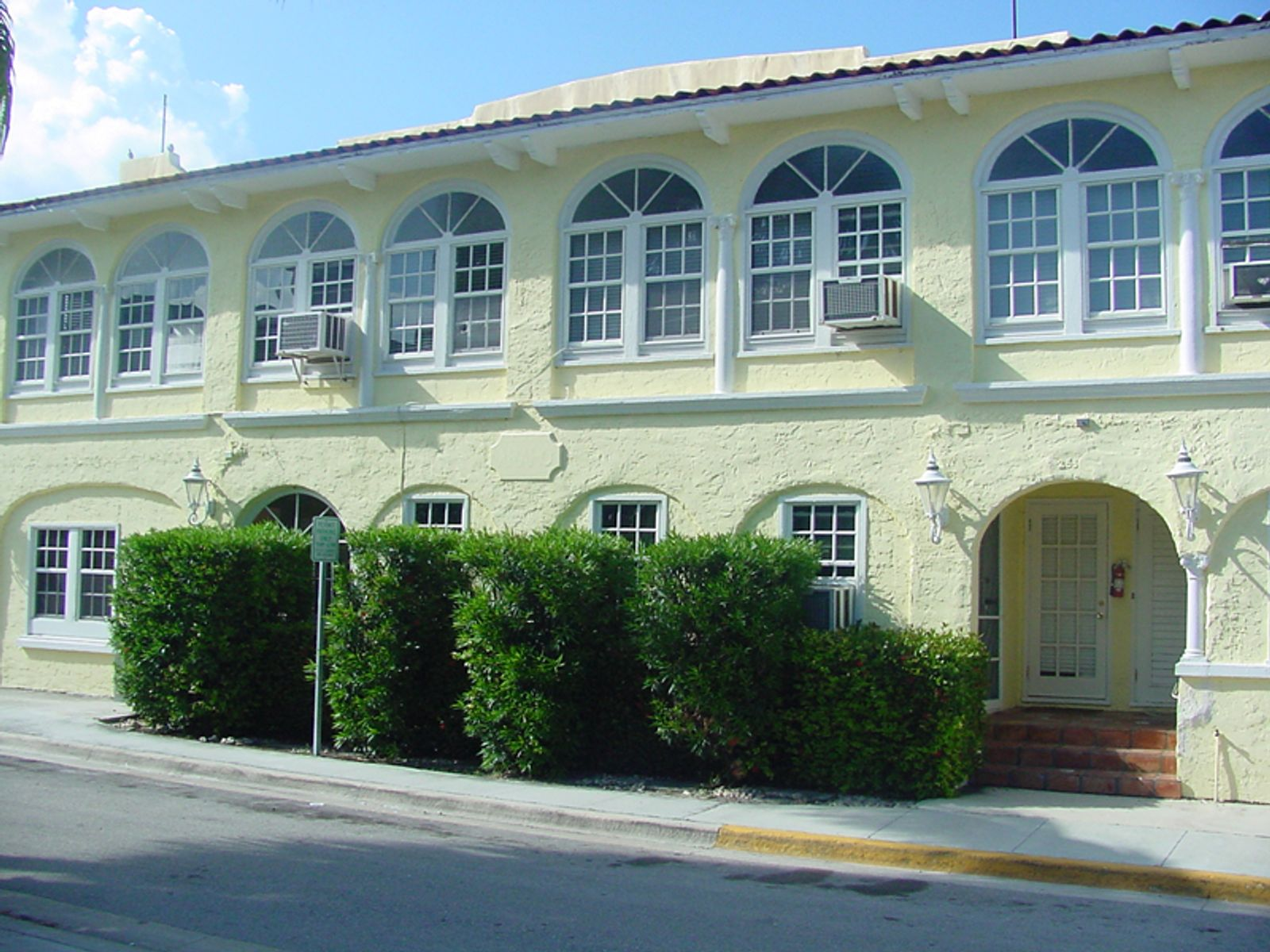 Impressive  In-town Investment, Palm Beach FL Multiple Units - Palm Beach Real Estate