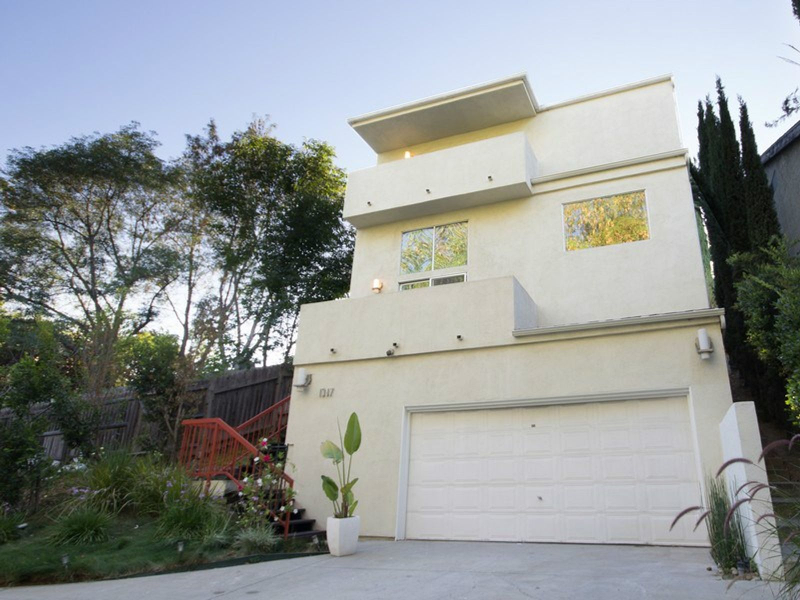 Updated Modern Style Home, South Pasadena CA Single Family Home - Pasadena Real Estate