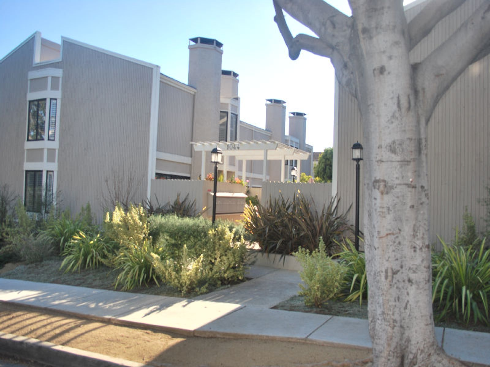North of Wilshire Townhome , Santa Monica CA Townhouse - Los Angeles Real Estate